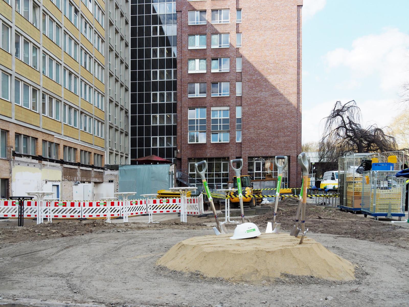 Spatenstich für den Anbau Klinikum Dortmund